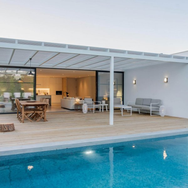 modern-house-with-garden-swimming-pool-and-wooden-HQVC2ML-min-min-scaled.jpg